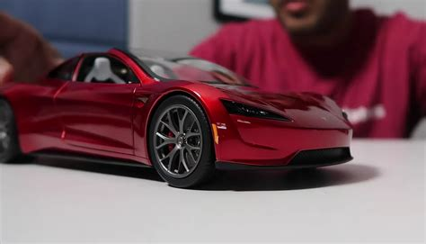 First look at Tesla Roadster diecast: Unboxing video