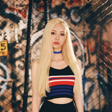 Jinsoul (LOONA) Profile and Facts (Updated!)