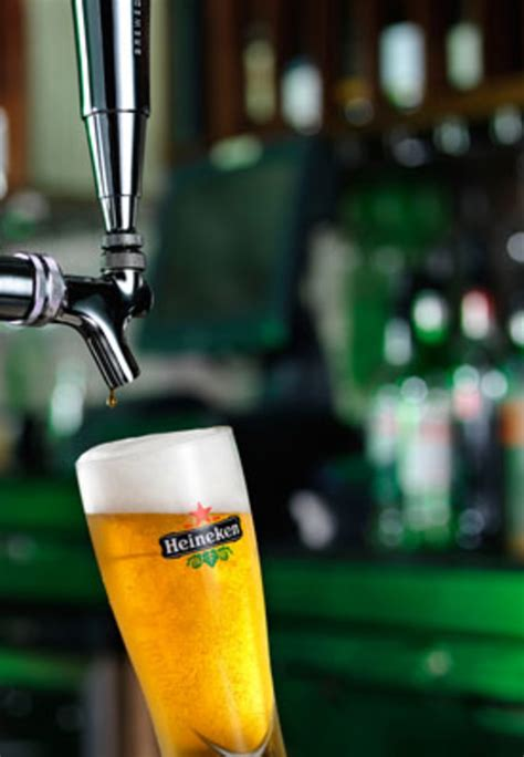How to Pour a Draught Beer (Courtesy of Heineken) | Complex