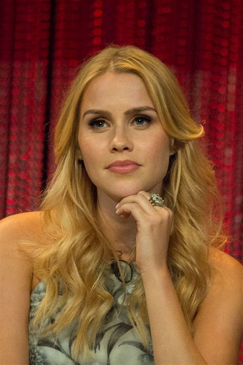 Claire Holt Net Worth - Celebrity Sizes